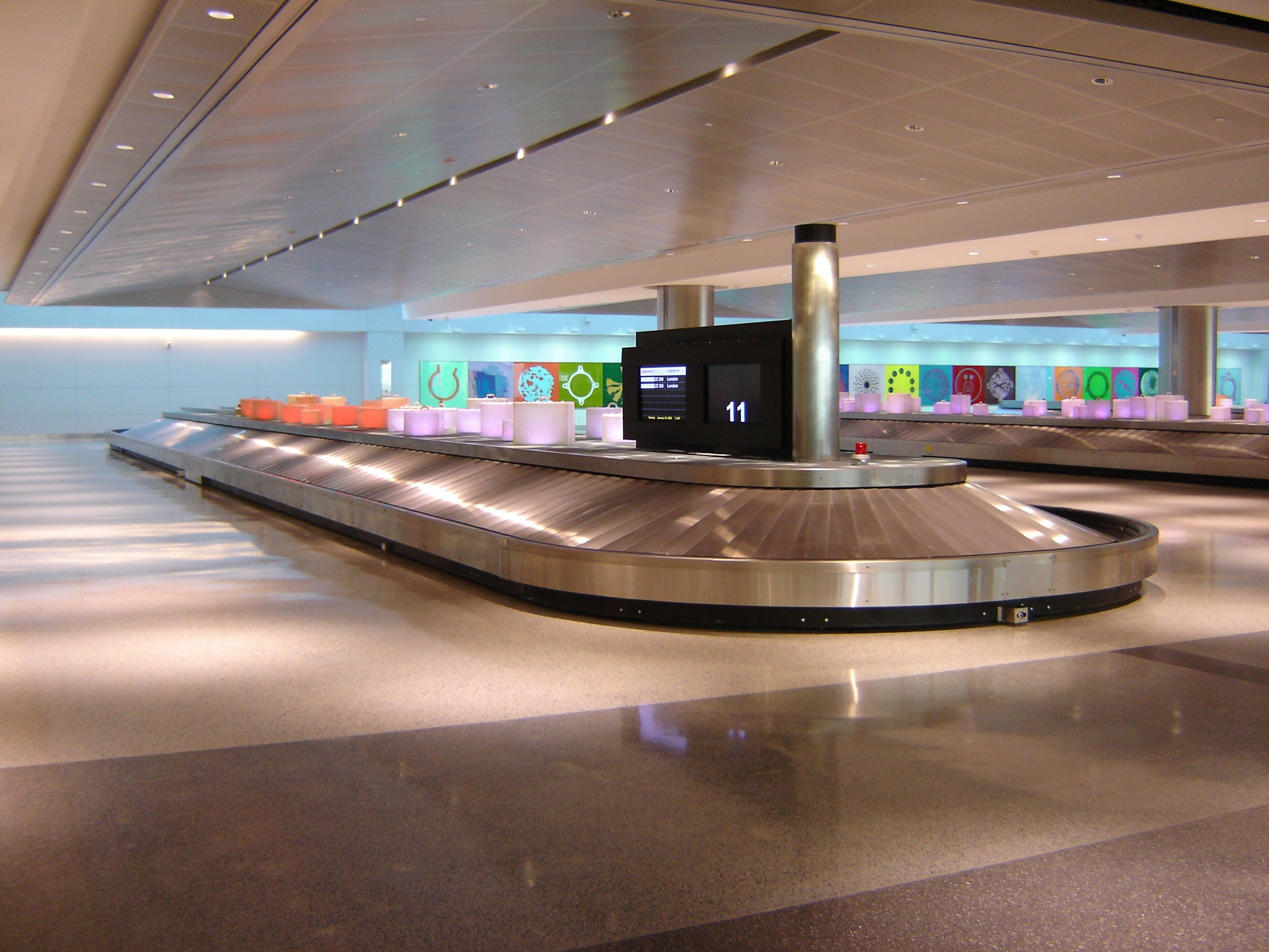 airport conveyor